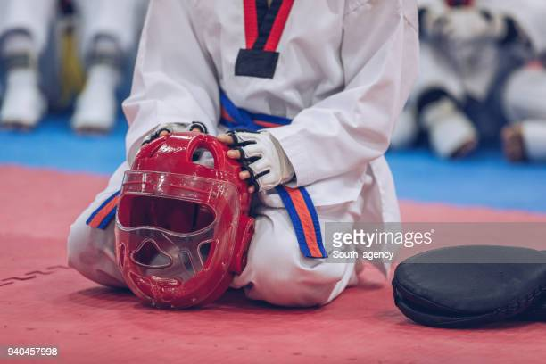 clase de taekwondo - taekwondo fotografías e imágenes de stock