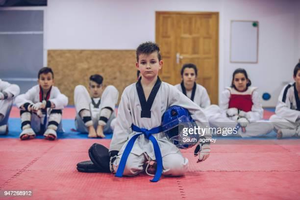 equipo de taekwondo - taekwondo fotografías e imágenes de stock