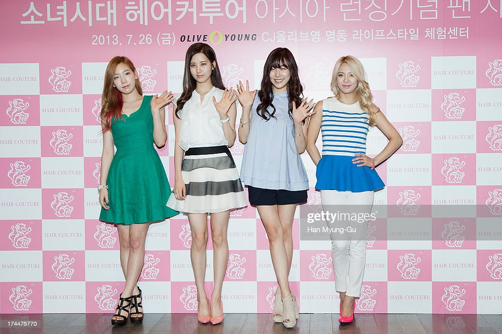 Girls' Generation Autograph Session For Hair Couture