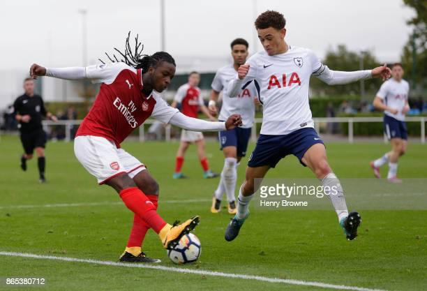 Tafari Moore of Arsenal and Luke Amos of Tottenham Hotspur during the Premier League 2 game between Tottenham Hotspur and Arsenal on October 23 2017...