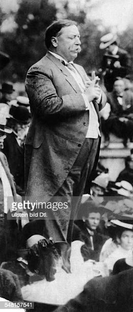 Taft William Howard *15091857 Politican Republican Party USA 27th President of the USA 19091913 Taft at an election campaign rally 1908 Photographer...