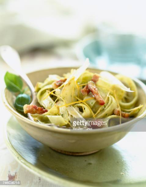 tagliatelle with pistou, parmesan and bacon - ピストー ストックフォトと画像