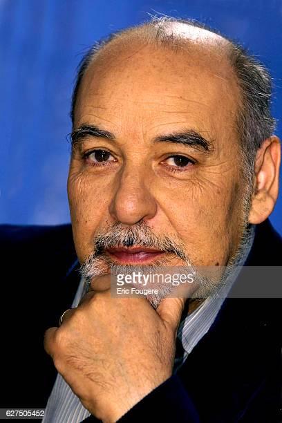Tahar Ben Jelloun on the set of TV show 'Culture et Dependances'