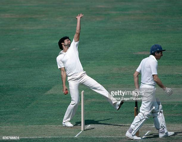 Tahir Naqqash bowling for Pakistan during the 2nd Test match between England and Pakistan at Lord's Cricket Ground London 14th August 1982 The...