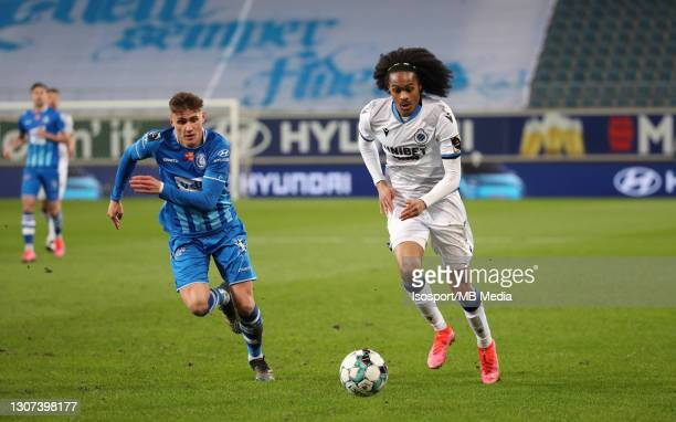 Tahith Chong of Club Brugge battles for the ball with Alessio Castro-Montes of KAA Gent during the Jupiler Pro League match between KAA Gent and Club...