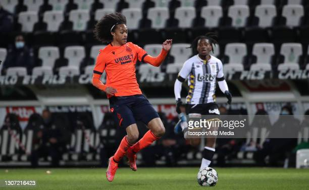 Tahith Chong of Club Brugge in action with the ball during the Jupiler Pro League match between Sporting de Charleroi and Club Brugge at Stade du...
