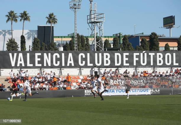 Tahith Chong of Manchester United U19s in action during the UEFA Youth League match between Valencia U19s and Manchester United U19s at Paterna...