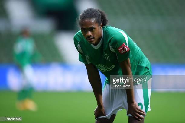 Tahith Chong of SV Werder Bremen looks dejected during the Bundesliga match between SV Werder Bremen and DSC Arminia Bielefeld at Wohninvest...