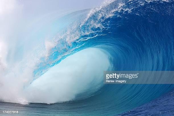 タヒチの波