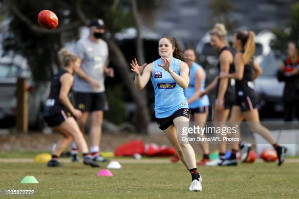 Tahlia Meyer of the Saints in action during the St Kilda training session at RSEA Park on October 14, 2021 in Melbourne, Australia.