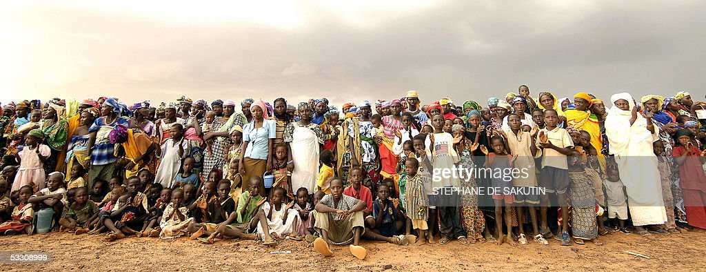 Nigerois women and their malnurished chi : News Photo