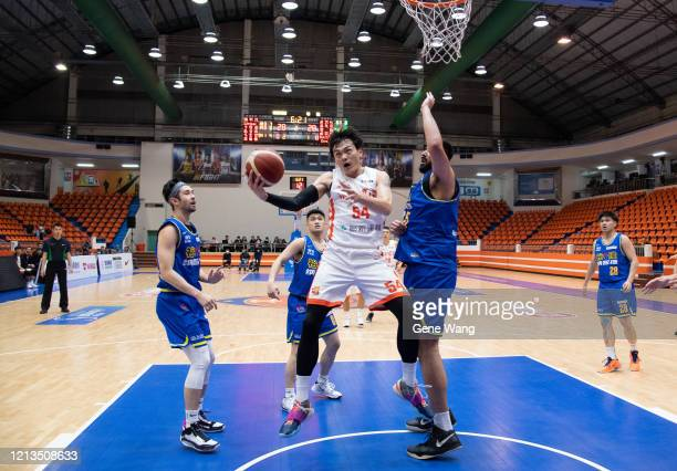 Tai Hao Wu of Pauian Archiland made a layup shot during the Super Basketball League closed door match between Pauian Archiland and Yulon Luxgen Dinos...