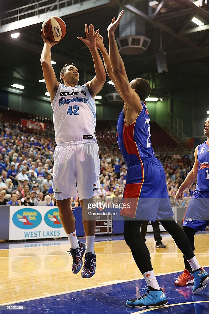 NBL Rd 4 - Adelaide v New Zealand : News Photo