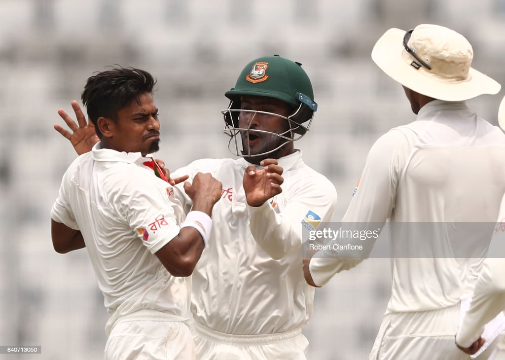 Bangladesh v Australia - 1st Test: Day 4 : News Photo