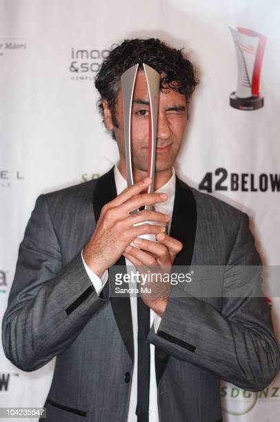 Taika Waititi poses with his award at the 2010 Qantas Film Television Awards at the Civic Theatre on September 18 2010 in Auckland New Zealand