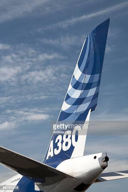 tail of airplane. - flugzeugheck stock-fotos und bilder