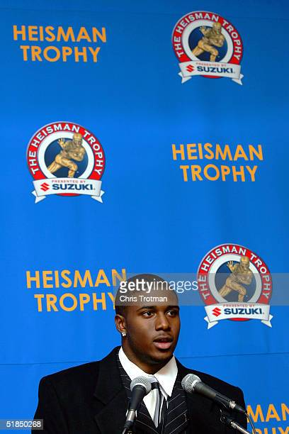 Tailback Reggie Bush of the University of Southern California Trojans finishes 5th in the 2004 Heisman trophy voting on December 11 2004 in New York...