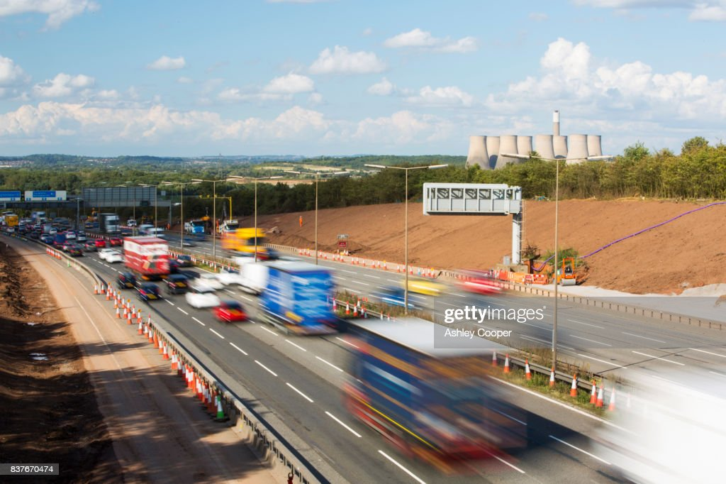 Tailbacks on the M1 motorway in the East Midlands caused by roadworks, UK. : ストックフォト