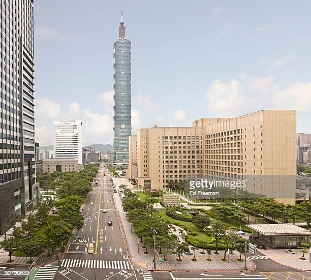 taipei 101 building - taipei stockfoto's en -beelden