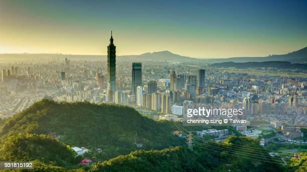 taipei city view - taipei fotografías e imágenes de stock