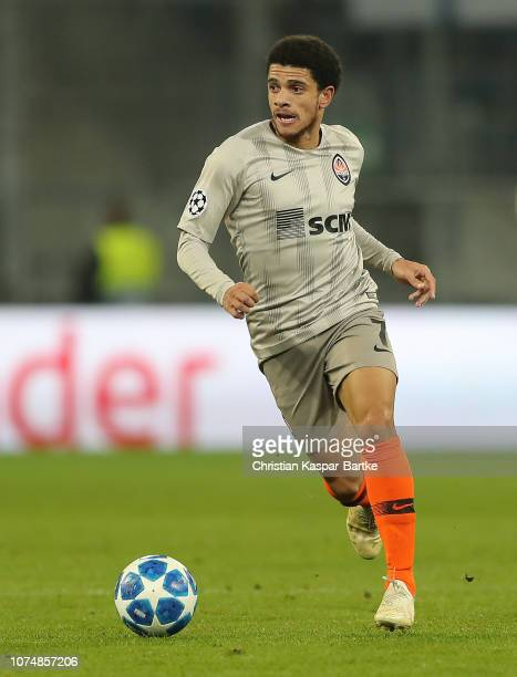 Taison of FC Shakhtar Donetsk in action during the Group F match of the UEFA Champions League between TSG 1899 Hoffenheim and FC Shakhtar Donetsk at...