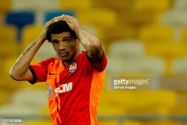 Taison of Shakhtar Donetsk looks on during the UEFA Europa League round of 16 second leg match between Shakhtar Donetsk and VfL Wolfsburg at Metalist...