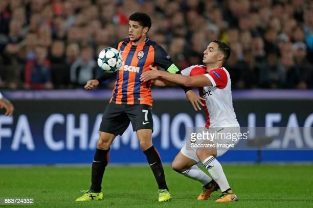 Taison of Shakhtar Donetsk Sofyan Amrabat of Feyenoord during the UEFA Champions League match between Feyenoord v Shakhtar Donetsk at the Feyenoord...