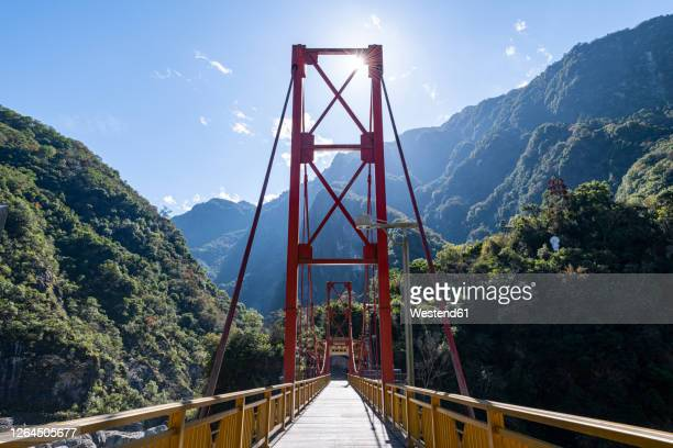 taiwan, hualien county, taroko national park, huge bridge in tianxiang recreational area - hualien county stock pictures, royalty-free photos & images