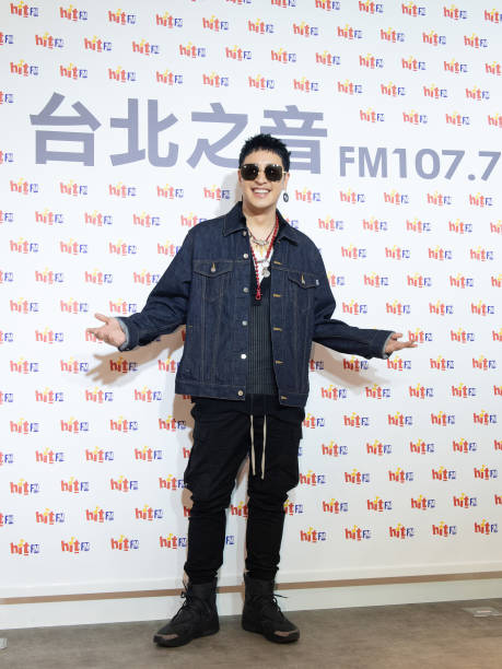 TWN: Will Pan Attends Press Conference In Taipei