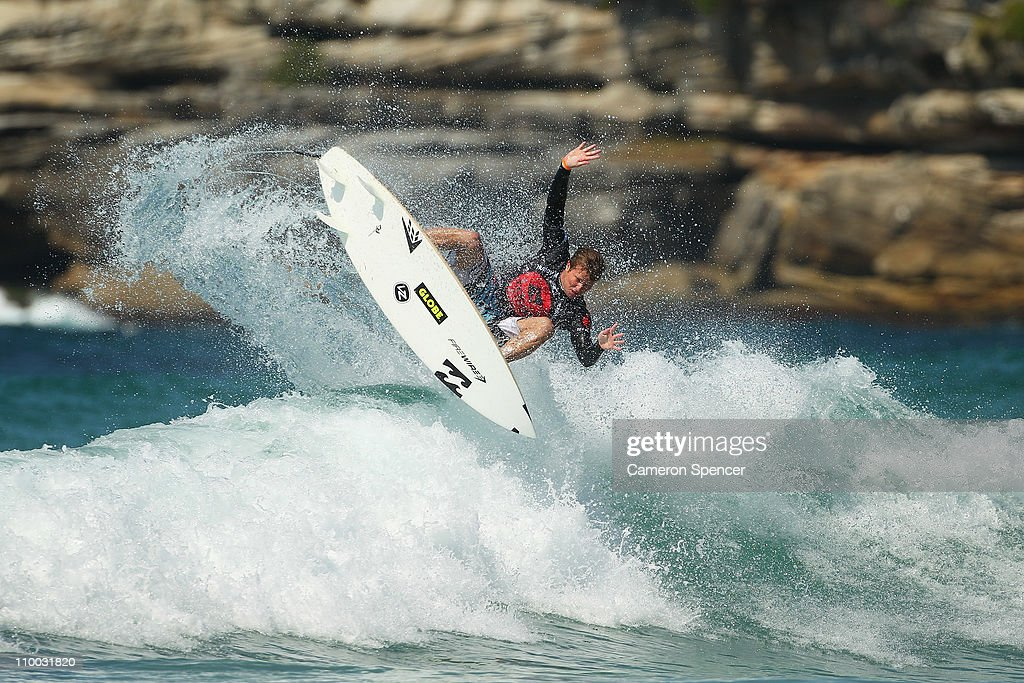 Boost Mobile Surfsho - Bondi