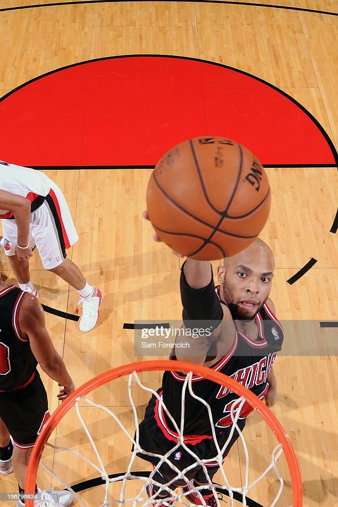 Taj Gibson #22 of the Chicago Bulls drives to the basket against the Portland Trail Blazers on November 18, 2012 at the Rose Garden Arena in Portland, Oregon.