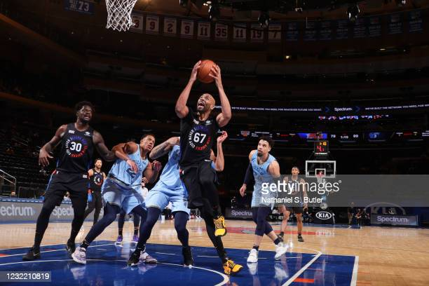 Taj Gibson of the New York Knicks drives to the basket during the game against the Memphis Grizzlies on April 9, 2021 at Madison Square Garden in New...