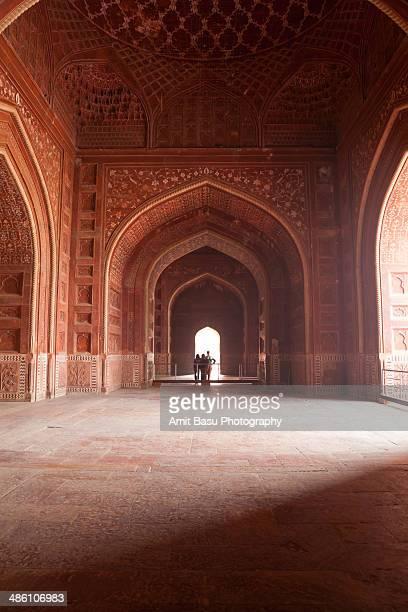 taj mahal, agra, india. - interior of taj mahal stock pictures, royalty-free photos & images