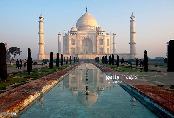 Taj Mahal e seu reflexo no pool