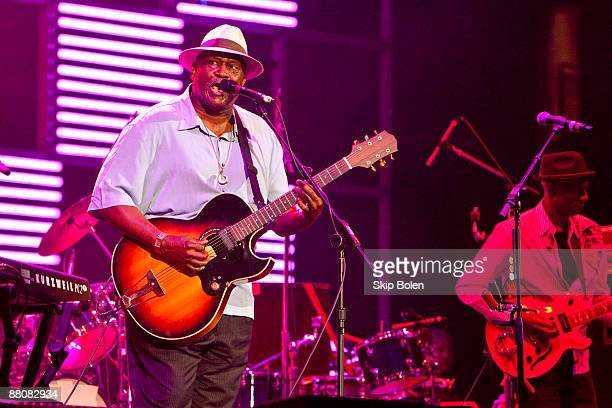Taj Mahal and Keb Mo performs during the Domino Effect benefit concert at the New Orleans Arena on May 30 2009 in New Orleans Louisiana