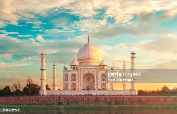taj mahal in agra, india - agra stock pictures, royalty-free photos & images