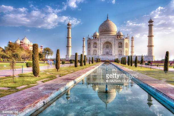 taj mahal in autumn time - taj mahal stock photos and pictures