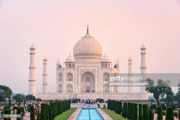 taj mahal in dawn, agra, india. - taj mahal stock pictures, royalty-free photos & images