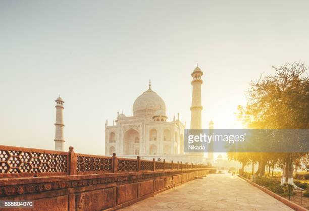 taj mahal in sunset light, agra, india - taj mahal stock photos and pictures