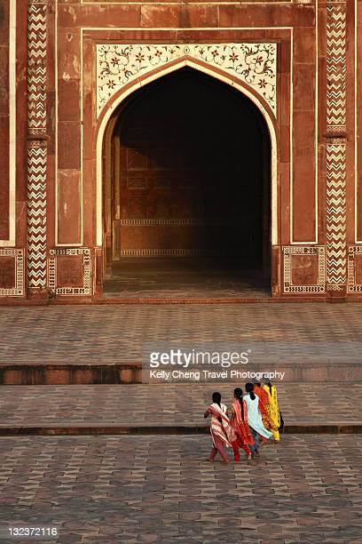 taj mahal mosque - salwar kameez stock pictures, royalty-free photos & images