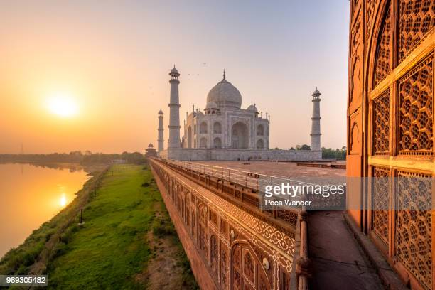 taj mahal - famous place stock pictures, royalty-free photos & images