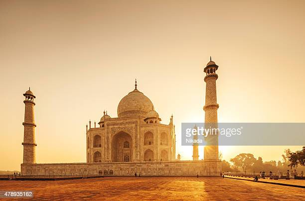 taj mahal sunset, india - taj mahal stock photos and pictures