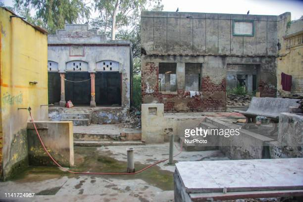 Tajganj Cremation Center in Agra Uttar Pradesh state in India The cremation center with some shrines and temples lies on the riverbank of the...