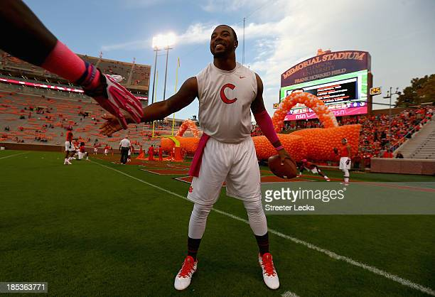 Tajh Boyd of the Clemson Tigers warms up before their game against the Florida State Seminoles at Memorial Stadium on October 19, 2013 in Clemson,...