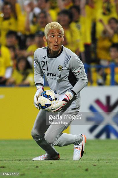 Takanori Sugeno of Kashiwa Reysol in action during the AFC Champions League Round of 16 match between Kashiwa Reysol and Suwon Samsung FC at Hitachi...