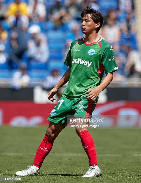 Takashi Inui of Deportivo Alaves oolks on during the La Liga match between RCD Espanyol and Deportivo Alaves at RCDE Stadium on April 13 2019 in...