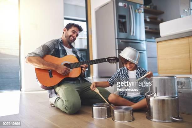 à emporter, fils! - cuisine humour photos et images de collection