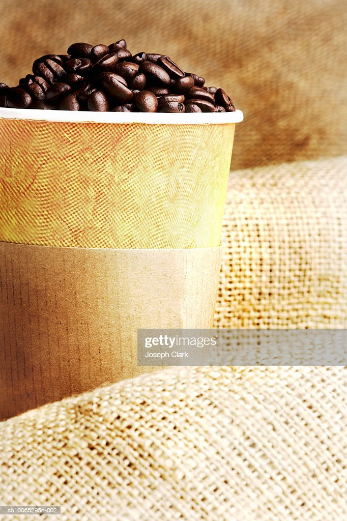 Takeaway cup of coffee beans : Foto stock