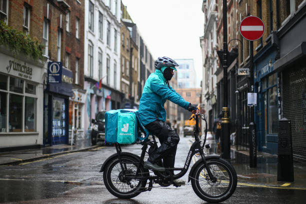 GBR: Covid-19 Lockdowns Provide Boost For Online Grocery And Takeaway Sales