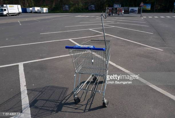Takeover speculations the Metro AG in trouble The empty parking lot and a single shopping cart of a branch of Metro AG in St Augustin during the...